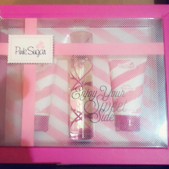 aqualina pink sugar Accessories - Pink sugar 3 piece gift set new in box